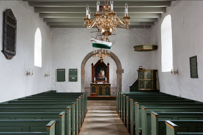 Fil:Horne Kirke interieur.jpg